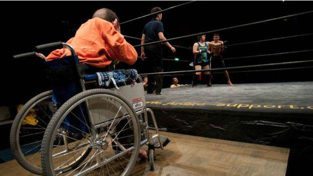 El club de la pelea es un lugar donde personas con discapacidad pueden desplegar sus habilidades en un cuadrilátero.