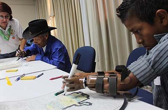 El objetivo de la campaña fue ofrecer una mano protésica funcional, ligera y durable a cada persona que la requiera.
