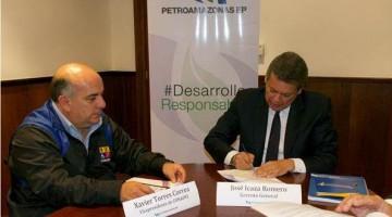 En la fotografía, Xavier Torres, Vicepresidente del CONADIS, y José Icaza, Gerente de Petroamazonas.